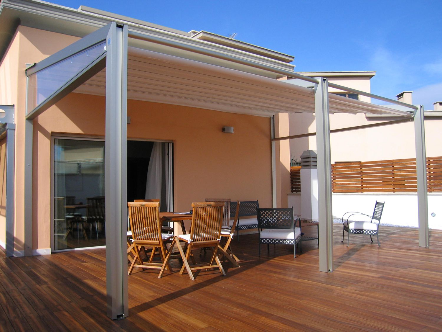 Coverture l 39 ombra in luce for Estructuras para jardin