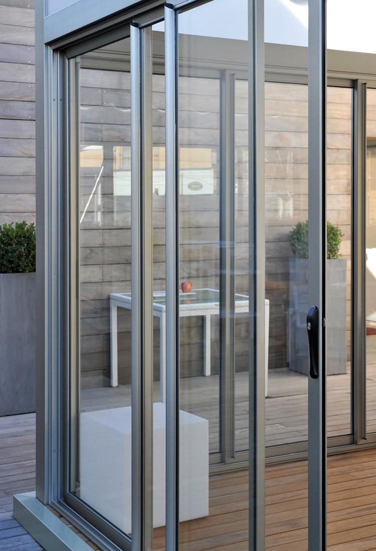 Chiusura perimetrale in vetro