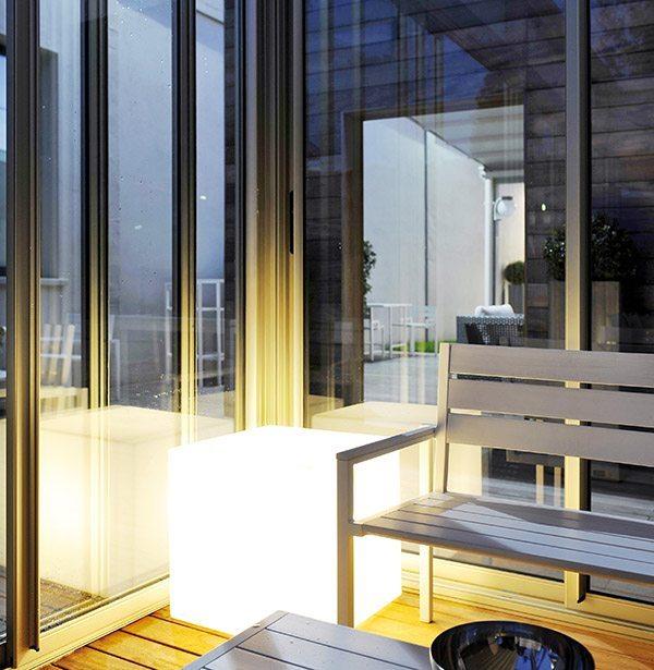Chiusura perimetrale con vetrata scorrevole
