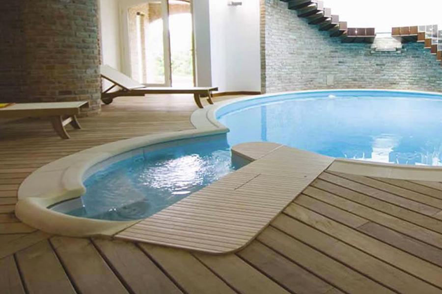 pavimentazione in legno per piscina ed esterni