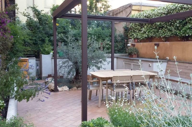 zona pranzo nel nostro giardino
